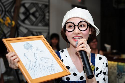 Ngân Khánh dừng hoạt động nghệ thuật đi du học