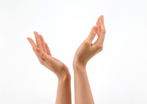 Những cách trị lão hóa da tay đơn giản và hiệu quả