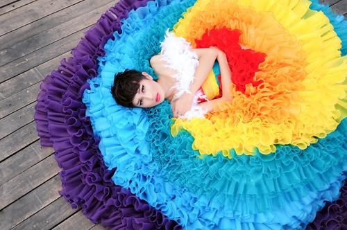 Một người mẫu thuộc thế giới thứ ba sẽ tham gia show thời trang cưới dành cho người đồng tính tại thủ đô.