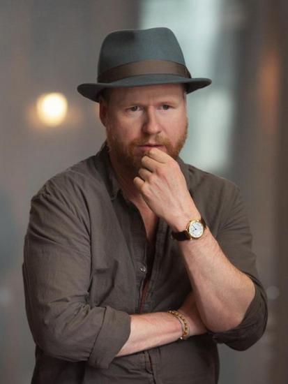 Đạo diễn Joss Whedon.