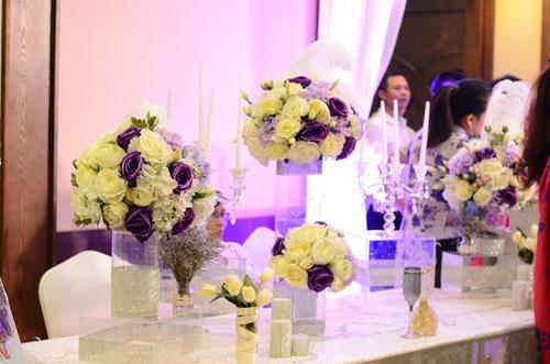 Tiệc cưới của Tự Long được tổ chức tại một nhà hàng ở Hà Nội.