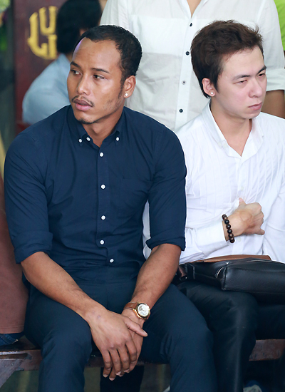 Người mẫu David Phạm (trái) và