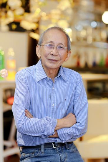 Nguyễn Ánh 9 hiện lên trong mắt con trai là một người nội tâm, giàu tình cảm nhưng ít khi thể hiện ra ngoài.