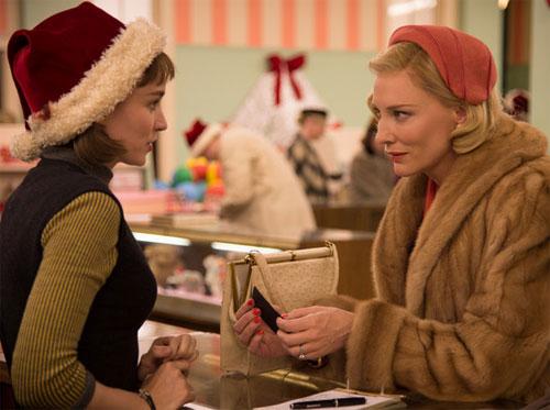 Cate và Rooney Mara (phải) trong phim Carol.