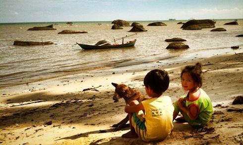 Trẻ em trong ảnh Trần Quốc Hùng