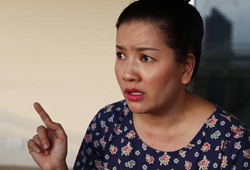 Ngọc Trinh bật khóc khi kể lại những vụ việc chị cho rằng Nhà hát kịch TP HCM chèn ép hoạt động của mình