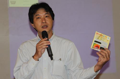 Ông Vũ Đức Hoan, em trai của nhạc sĩ Vũ Thành An, muốn giám định nội dung các đĩa karaoke do Maseco phát hành có đúng với giai điệu và ca từ