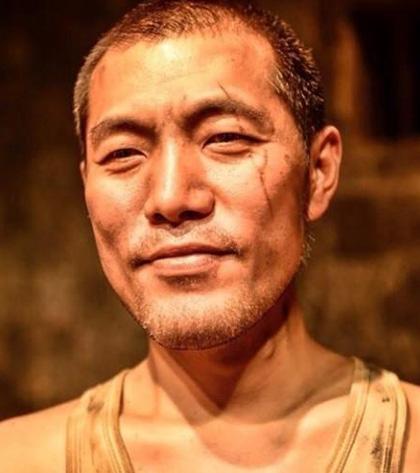 Nghệ sĩ Hàn Quốc chết trong khu trọ tồi tàn