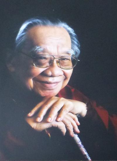 Giáo sư - Tiến sĩ Trần Văn Khê là người có công lớn trong giảng dạy, nghiên cứu, quảng bá và giữ gìn nhạc dân tộc Việt Nam. Ảnh: facebook Trần Văn Khê