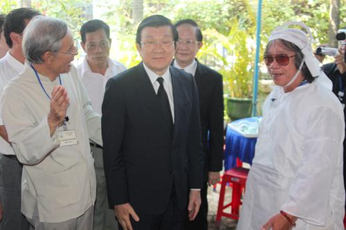 Chủ tịch nước Trương Tấn Sang dành thời gian đến dự tang lễ của Giáo sư khê sáng 28/6.