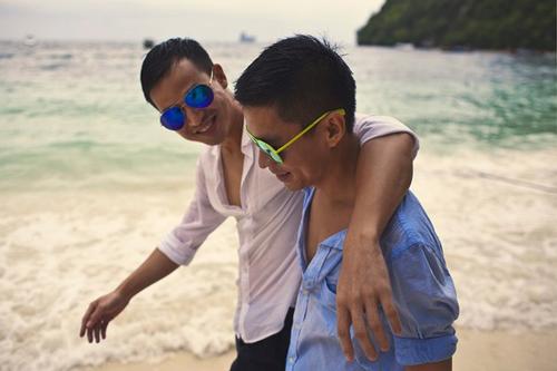 Tình yêu của Adrian Anh Tuấn và Sơn Đoàn được gia đình hai bên cùng bạn bè hết sức ủng hộ.