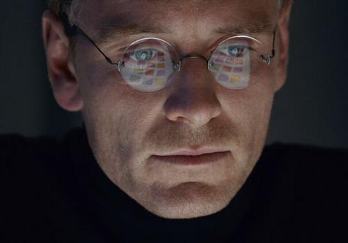 Trailer 'Steve Jobs' hé lộ chuyện gia đình huyền thoại Apple