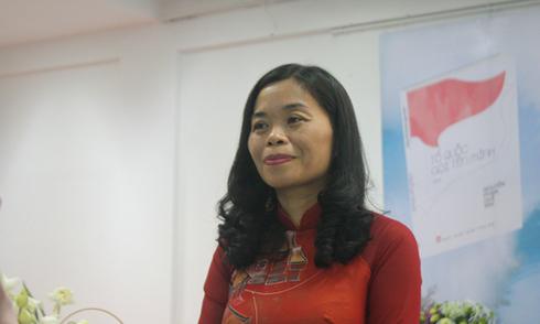 Quế Mai về nước ra mắt tập thơ 'Tổ quốc gọi tên mình'