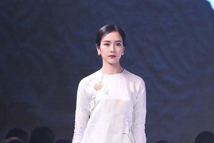 Em gái Trịnh Công Sơn giới thiệu sưu tập áo dài