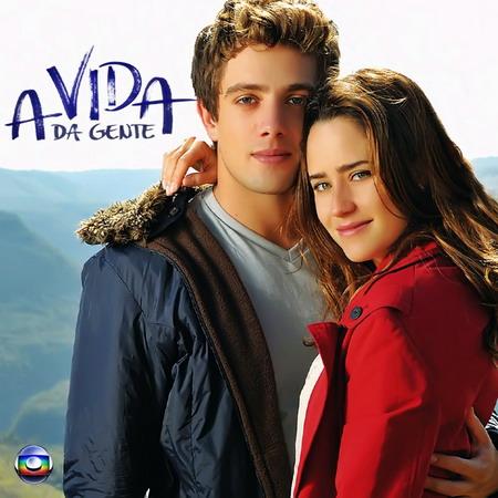 """Hai diễn viên chính của """"Cuộc sống nghiệt ngã"""" - bộ phim đánh dấu sự trở lại của phim truyền hình Brazil."""