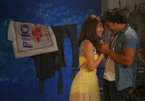 Trong phim, Linh Sơn và Diễm My 9x có nhiều cảnh tình cảm.
