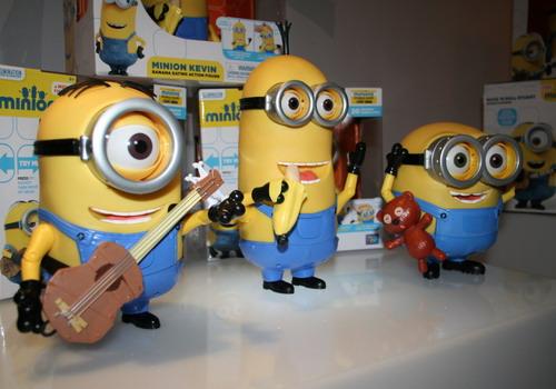 Những sản phẩm đồ chơi về Minions luôn cháy hàng ở nhiều nơi trên thế giới.
