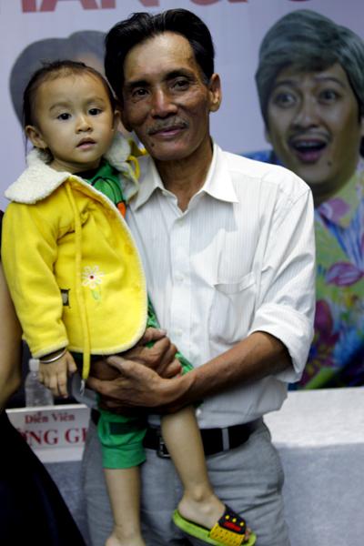 Diễn viên Thương Tín dành trọn tình yêu cho con gái.
