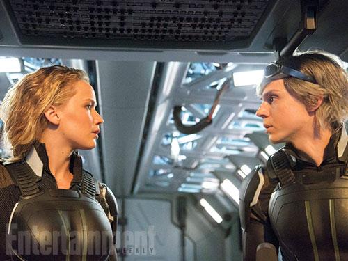 Jennifer Lawrence (trái) trong tập cuối của