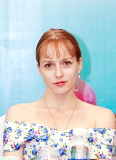 """Nữ diễn viên chính của vở ballet """"Hồ thiên nga"""" sắp trình diễn tại Hà Nội."""