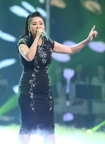 Thu Minh khoe giọng với ca khúc mới 'Đừng yêu' do ca sĩ Trang Pháp sáng tác, nhạc sĩ Dương Khắc Linh hòa âm (xem video).