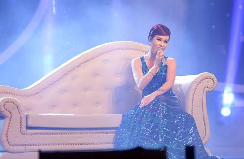 Quán quân Vietnam Idol 2010 Uyên Linh làm khách mời, biểu diễn ca khúc 'Có đôi khi'