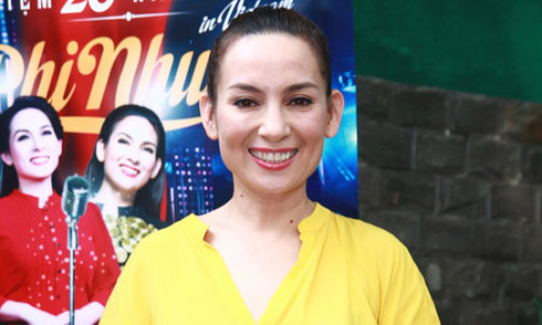 Phi Nhung làm liveshow cho khán giả có thu nhập thấp