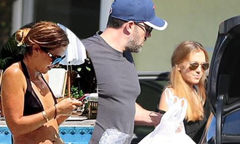 Ben Affleck bị đồn chi tiền cho bảo mẫu nghỉ ở khách sạn xa hoa