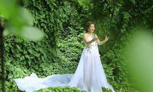 Nguyễn Hải Yến vào rừng quay MV