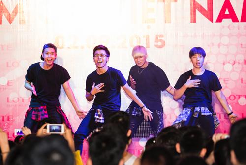 Chương trình còn có sự góp mặt của nhóm nhảy cover hàng đầu Việt Nam  ST 319.