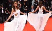 Alessandra Ambrosio khoe dáng với váy xuyên thấu