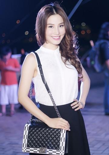 Với sự yêu thích nồng nhiệt của sao Việt, Chanel Boy có thể được coi là dòng túi hot nhất