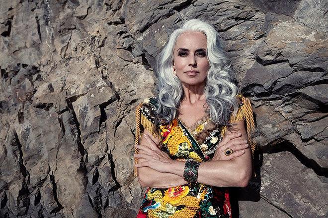 Người mẫu 59 tuổi có hình thể săn chắc như thiếu nữ
