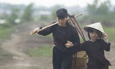 Con gái Trang Nhung dùng tiền kiếm được làm MV