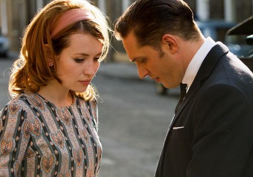 Người đẹp Emily Browning đóng vai nữ chính trong phim.