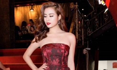 Hoàng Thùy Linh mặc đẹp nhất tuần với váy cúp ngực