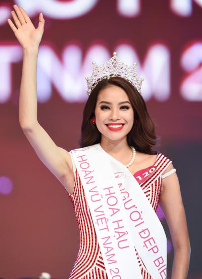 Phạm Thị Hương cô gái xinh đẹp đến từ Khoa Quốc Tế, lớp trưởng chuyên ngành Quản trị Marketing-