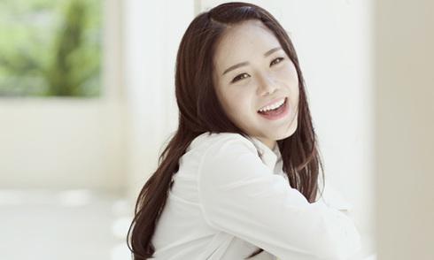 Cô gái Mỹ gốc Việt cover 'Thằng Cuội' bằng 6 ngôn ngữ