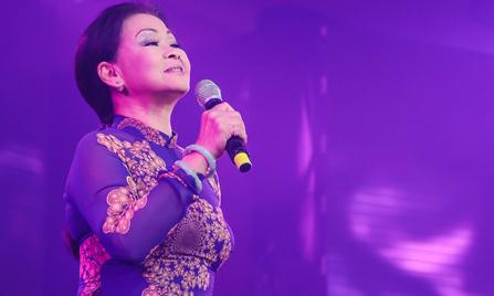 Khánh Ly hạnh phúc khi hát trên quê hương chồng quá cố