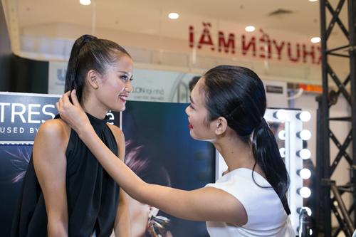 Top 5 Vietnam's Next Top Model hội ngộ
