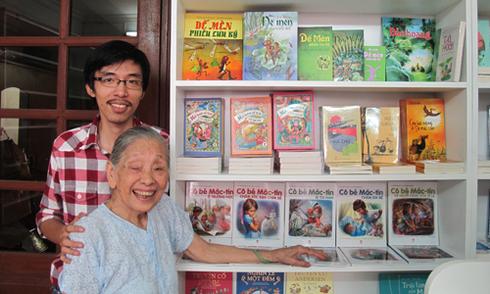 Phòng văn của nhà văn Tô Hoài thành hiệu sách Dế Mèn