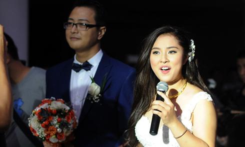 Bảo Trâm Idol nghẹn lời hát tặng chồng trong ngày cưới