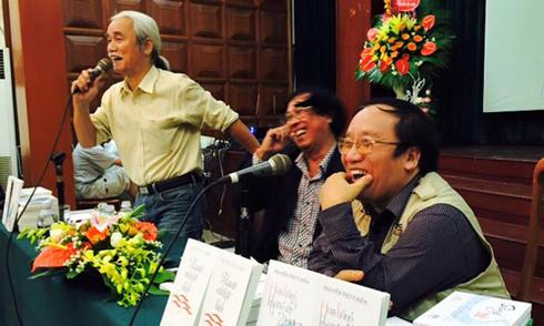 Buổi ra mắt thơ ấm áp của Nguyễn Việt Chiến