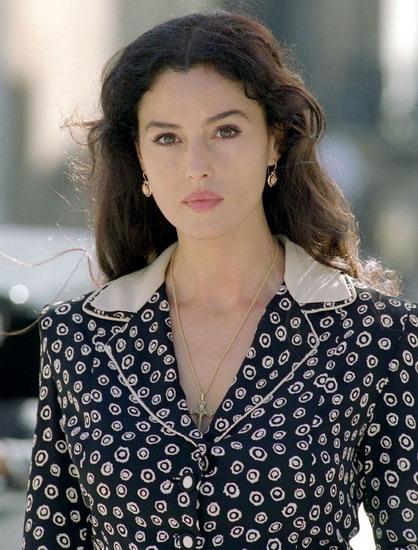 """Monica Bellucci thưở đóng bộ phim kinh điển """"Malena"""" vào năm 2000."""