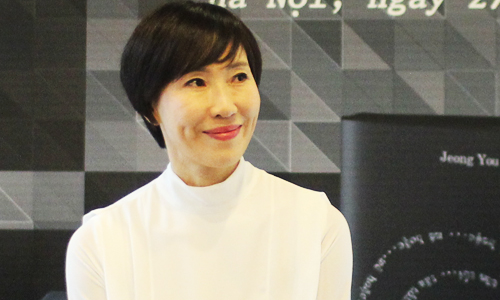 jeong-you-jeong-tung-tray-trat-de-duoc-cong-nhan-la-nha-van