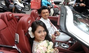 http://giaitri.vnexpress.net/photo/trong-nuoc/chong-kieu-anh-di-xe-12-ty-don-vo-3320081.html