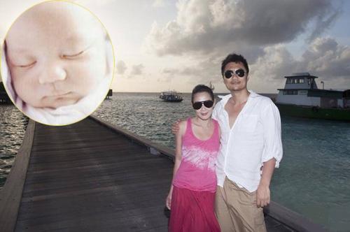 Hạnh phúc làm bố, mẹ của sao châu Á năm 2015