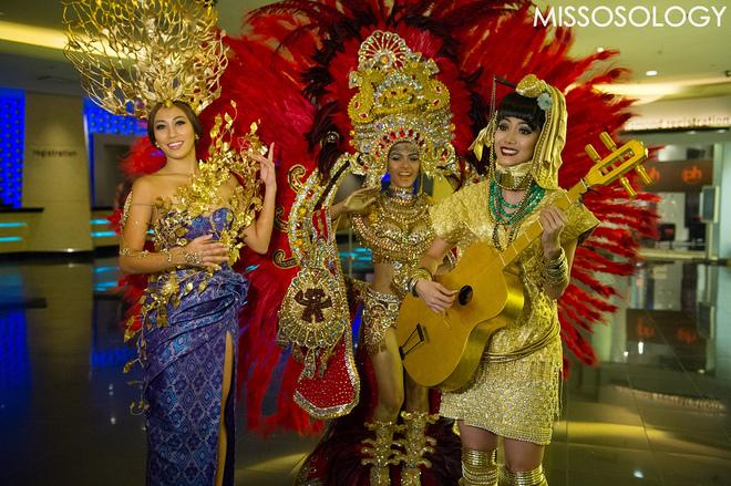 Người đẹp Miss Universe so vẻ lộng lẫy với trang phục dân tộc