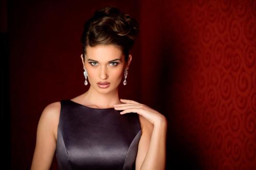 Hoa hậu Albani.