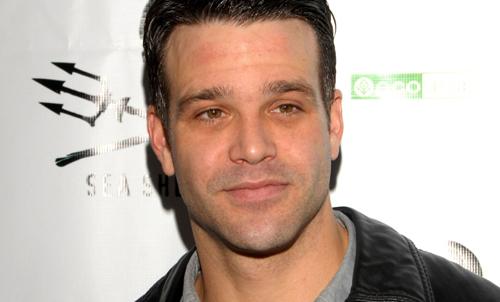 Diễn viên truyền hình Mỹ Nathaniel Marston thiệt mạng trong tai nạn xe hơi